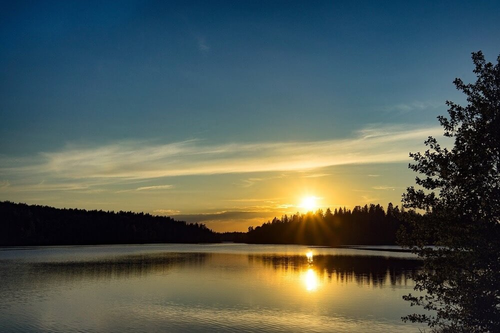 Sonnenuntergang im Nationalpark Djuroe